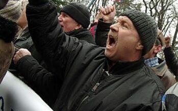 """Crimea, esercito russo occupa aeroporto di Simferopol. Kiev: """"E' invasione"""""""