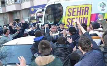 Racist Attack On HDP Election Tour In Edirne