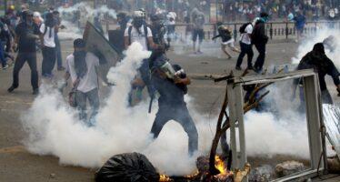 Anche i cecchini contro Maduro