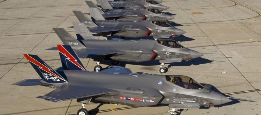I tagli? L'Italia sta acquistando 90 caccia F-35
