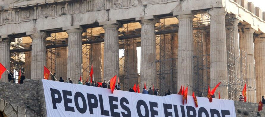 Accordo ponte e nuovi bond la ricetta Roubini per salvare Atene