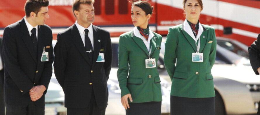 Alitalia, scontro sul blocco degli stipendi