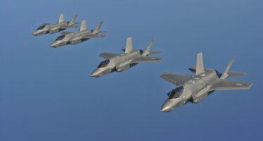 F-35: costi raddoppiati, occupazione dimezzata, programma in ritardo di 5 anni