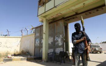 Tripoli nel caos congela parlamento e premier
