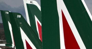Alitalia, Poste aderisce all'alleanza con Etihad Ugl si convince e firma