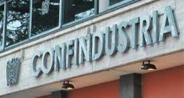 Lavoro e salario, le scelte di Confindustria