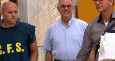 """""""Sesso con i migranti in cambio dell'asilo"""" arrestato il prete a capo della Caritas di Trapani"""