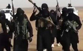"""Iraq, gli uomini """"neri"""" incoronano al-Baghdadi """"Il Califfato è nato"""""""