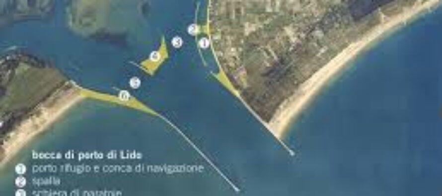 Laguna al collasso. Venezia, storia di un suicidio