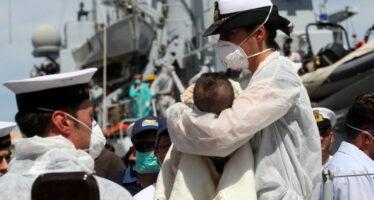 Collisione col barcone, cinque migranti morti