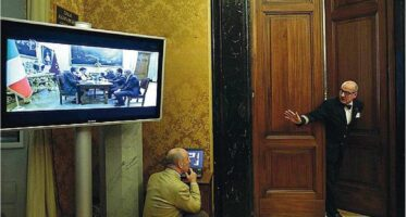 Legge elettorale, la mossa di Grillo: dialogo con Renzi, è legittimato dal voto