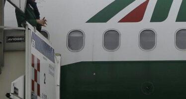 """Alitalia, tagli ridotti l'accordo è vicino """" Solo 1500 esuberi """""""