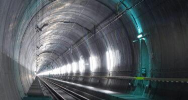Il doppio tunnel nella pancia delle Alpi