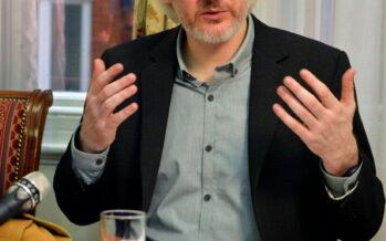 """Assange: """"Presto sarò fuori dopo due anni senza vedere il sole voglio la libertà"""""""