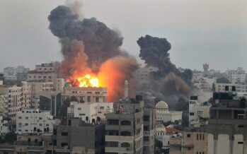 """Gaza, strage di civili ancora bombe sull' Onu """"È un attacco criminale"""""""