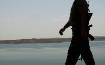Iraq, la grande battaglia dell'acqua i caccia americani bombardano l'Is