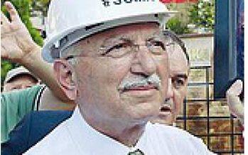 Erdogan prenota l'incoronazione a sultano della Turchia