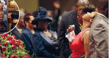 Ai funerali del giovane nero ucciso
