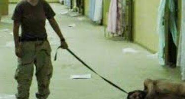 Svelati i volti dietro i cappucci ecco i prigionieri di Abu Ghraib