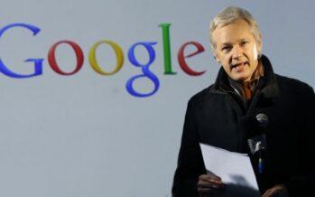 """Julian Assange: """"Google è diventato malvagio"""""""