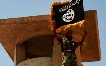 """Alle origini del Califfato Così gli """"uomini neri"""" hanno realizzato il sogno di Osama Bin Laden"""