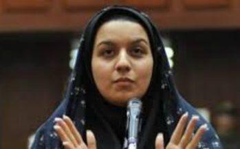 """L'ira delle ragazze di Teheran """"Esecuzioni e sfregi non riusciranno a fermarci"""""""
