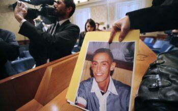 Finalmente una verità per la morte di Cucchi: «Massacrato dai carabinieri»