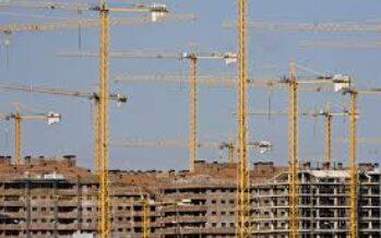 Contrasti tra Galletti e Martina Ferma la legge « anti-cemento »