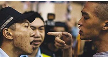 Hong Kong, studenti sotto attacco
