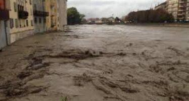 Anche Parma allagata straripano i torrenti crollato un ponte
