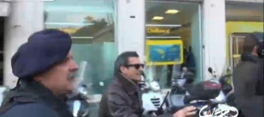 Cariche contro gli operai, un video smentisce Alfano