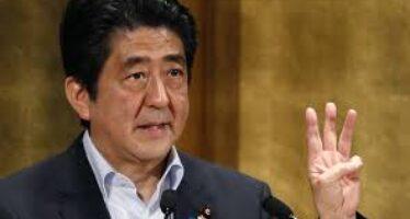 Giappone, il grande malato ricade nella recessione è il flop della Abenomics ora via al voto anticipato