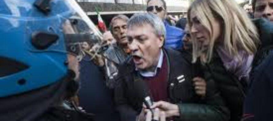 Le bugie del ministro Così Alfano ha mentito sui lavoratori picchiati