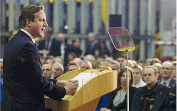 Cameron: «Taglierò il welfare agli immigrati»