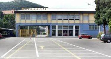 Brescia, Renzi in fabbrica e gli industriali mettono i lavoratori in ferie forzate