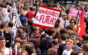Studenti: uno su tre paga per fare alternanza scuola-lavoro