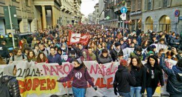 L'altro sciopero: 70 mila studenti nelle piazze e i blitz dello sciopero sociale
