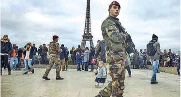 Centinaia di soldati nelle strade di Francia Ma il governo minimizza