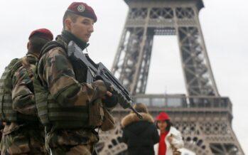 Terrorismo: più poteri ai servizi segreti in Francia