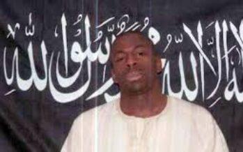 Il video di Coulibaly con tunica e mitra: sono dell'Isis, voi colpite e noi reagiamo