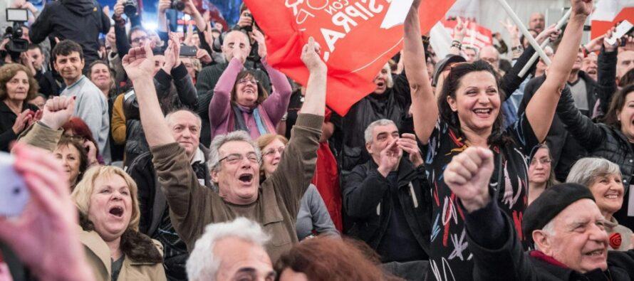"""Alexis, senza cravatta contro i poteri forti """"Basta con gli oligarchi diamo dignità al popolo"""""""