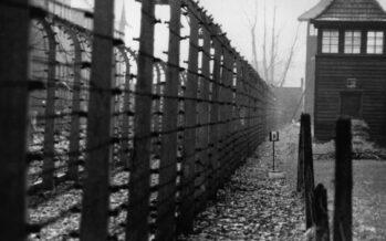 La Polonia approva legge revisionista sull'Olocausto