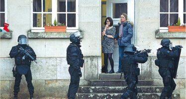 Francia, emergenza continua. Hollande vira adestra