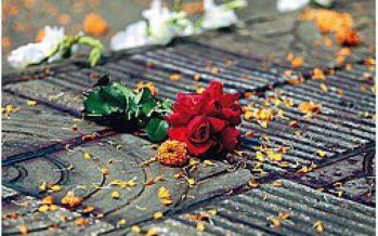 Ucciso con il machete lo scrittore del Bangladesh che chiedeva «laicità»