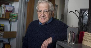 Chomsky: «Vergognosa l'Europa su Siria e Turchia»