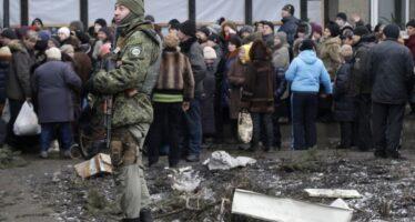 """Ucraina, la sfida di Kerry """"Soluzione diplomatica ma Putin accetti la sovranità di Kiev"""""""