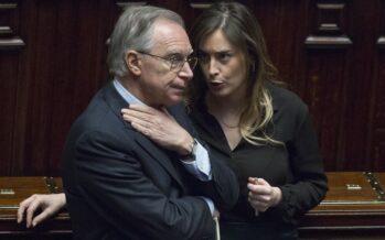 """Via libera al nuovo Senato Bersani: """"È l'ultimo sì se non cambia l'Italicum"""" Fi vota no, ma è rivolta"""