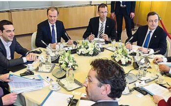 Grecia, l'Europa concede 2 miliardi di aiuti