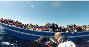 Otto barconi soccorsi al largo della Sicilia Dieci morti, mille salvati