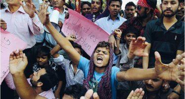 Strage di cristiani in Pakistan. Francesco: persecuzione che il mondo nasconde